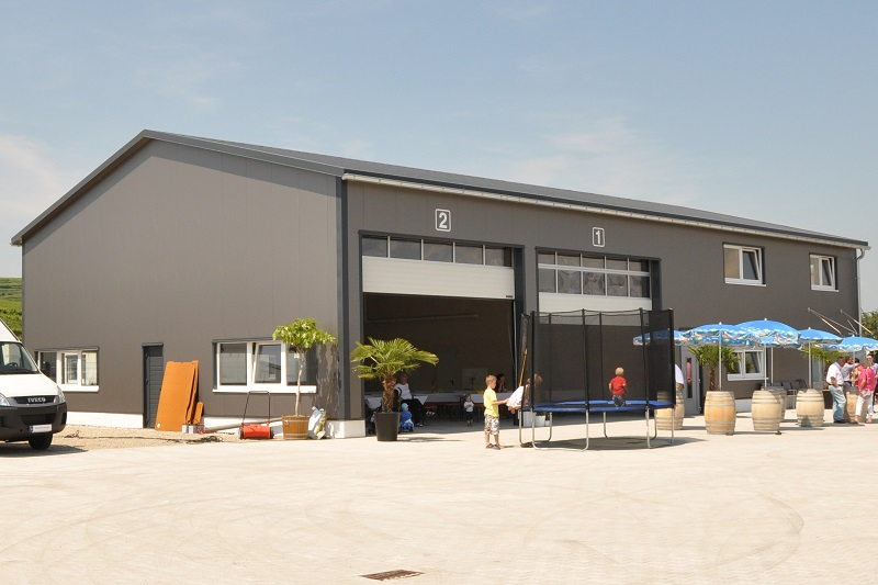 Stahlhalle Werkstatt mit Büro 2