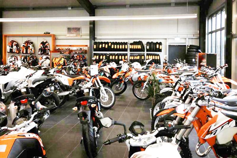 Halle für Motorradgeschäft