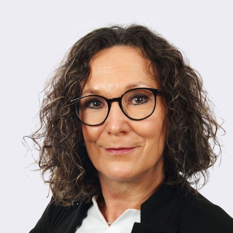 Rita Buchwald Bereichsleiterin Buchhaltung, Einkauf und IT bei E.L.F Hallen- und Maschinenbau GmbH